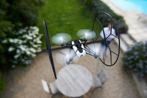Parrot-Minidrones-Rolling-Spider-Drone-Bianco-0-19