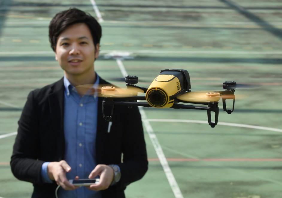 """""""Bebop drone"""", il famoso drone dotato di fotocamera anteriore Full HD."""