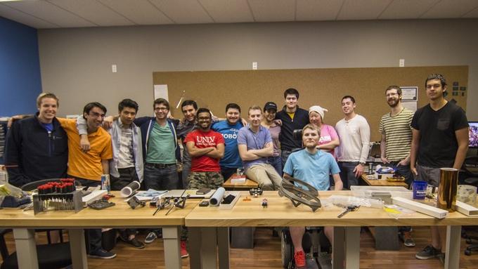 Il team di Skyworks, la startup ideatrice del drone Eedu