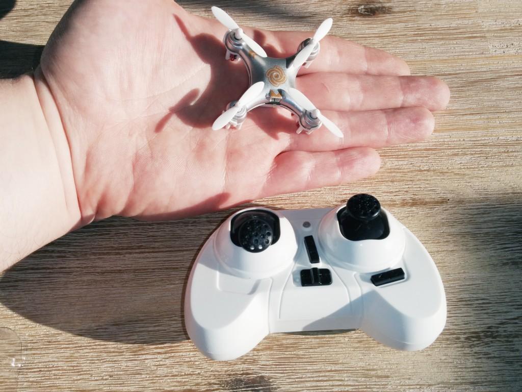 Confronto tra il CX-10A e la mia mano