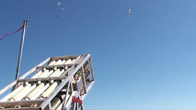 decollo stormi di droni militari