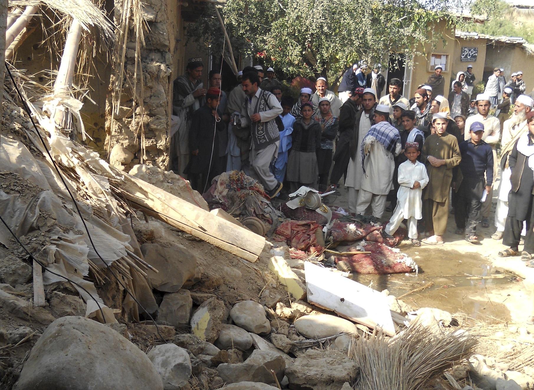 casa distrutta  dalla guerra con i droni