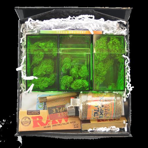"""""""The Bud Box"""", il prodotto di spicco della startup Trees Delivery. Contiene il necessario: erba, cartine, filtri e accendino."""