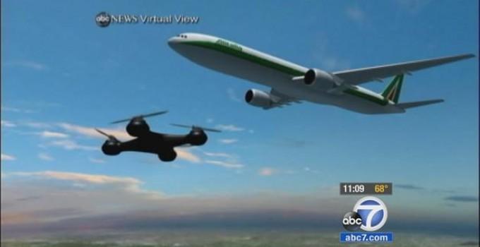 drone vicino ad aereo