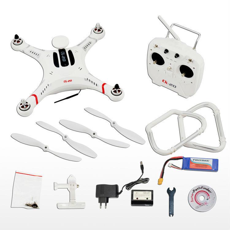 Il Cheerson CX-20 è un drone ready-to-fly. Nella scatola c'è tutto l'occorrente: drone, controller, eliche, batteria, caribateterie, ecc.
