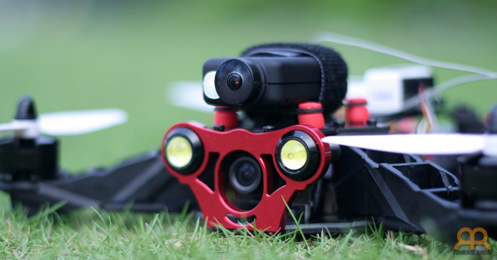 Eachine Racer 250 con Mobius Camera